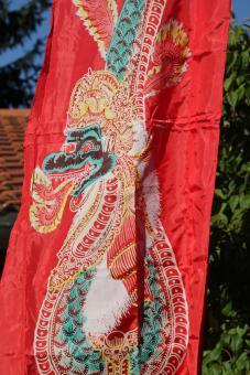 Drachenfahne rot bunter Druck 3m und 5m